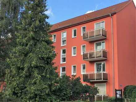4- Raum- Wohnung ohne Durchgangszimmer. Balkon!
