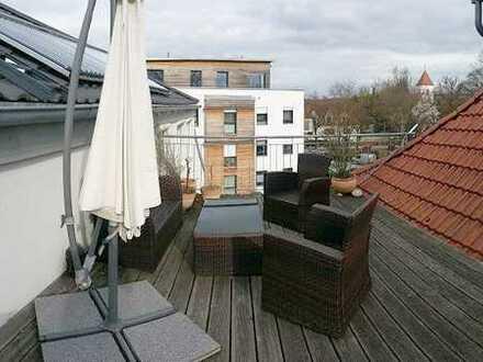 DG-Apartment mit Dachterrasse im Zentrum