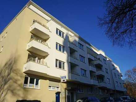Arbeiten am Luisenpark: Saniertes Büro mit 2 Balkonen