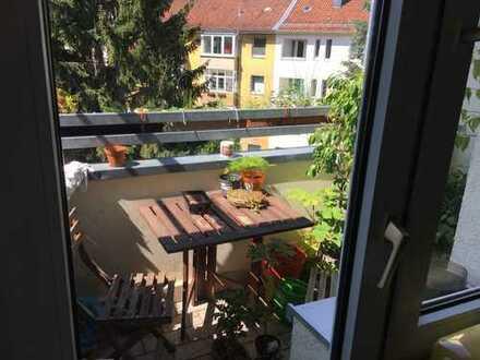 Helle 3-Zimmer-Wohnung mit Balkon in Hannover-Kleefeld