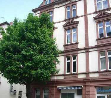 Klimatisierte Altbau-Wohnung im Nordend mit PKW-Stellplatz