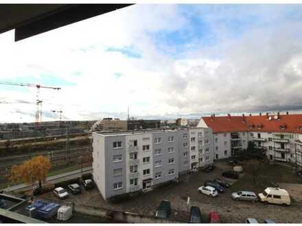 Stilvolle, modernisierte 2-Zimmer-Wohnung mit Balkon und Einbauküche in Heidelberg