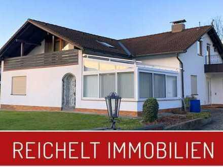 Ein- / Mehrfamilienhaus mit Dachterrasse in Hochburg/Ach - Einliegerwohnung - Wintergarten - DG -
