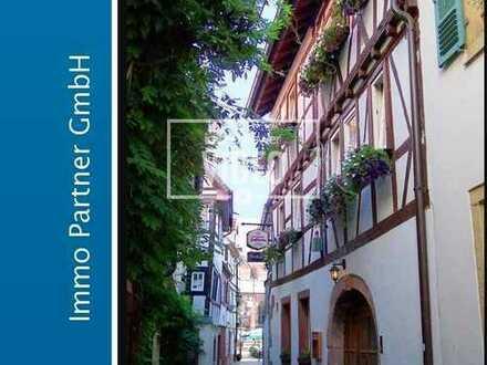 Gastronome aufgepasst - Zweifamilienhaus mit Gaststube zum Verkauf in Neustadt a.d.W.