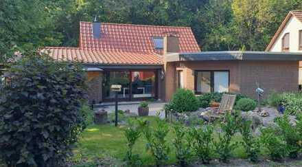 Charmantes Einfamilienhaus in toller Wohnlage mit Waldcharakter
