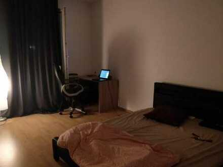 Furnished, Spacious room in Centre (klinikviertel) available for rent