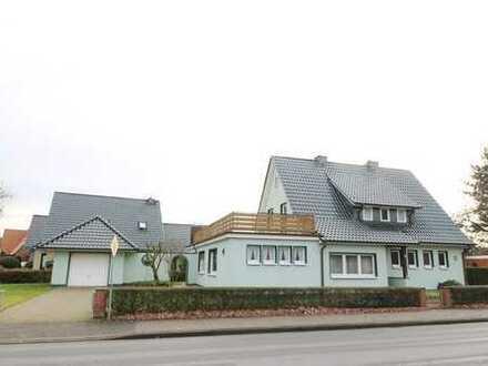 Modernisiertes, sehr gepflegtes Satteldachhaus mit Garage, Anbau und Keller in zentraler Stadtlage