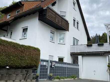 Erstbezug nach Sanierung mit Einbauküche: freundliche 2,5-Zimmer-DG-Wohnung in Obertrubach