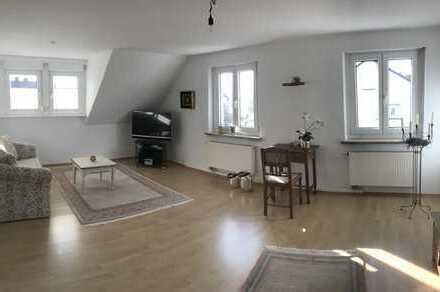 attraktive DG-Wohnung mit neuer Küche  in gefragter Wohnlage von Sulzbach-Rosenberg