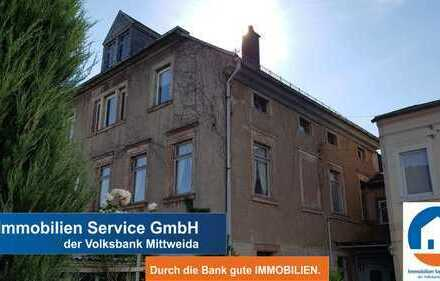 Sanierungsbedürftiges Mehrfamilienhaus in guter Lage!