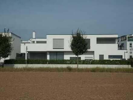 Modernes Architektenhaus am Feldrand exclusive Ausstattung