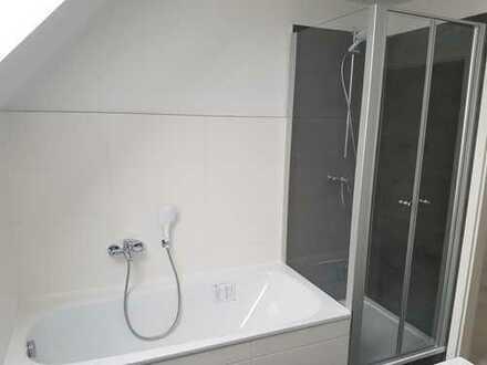 4 Raum DG-Maisonette-Wohnung mit NEU saniertem Bad