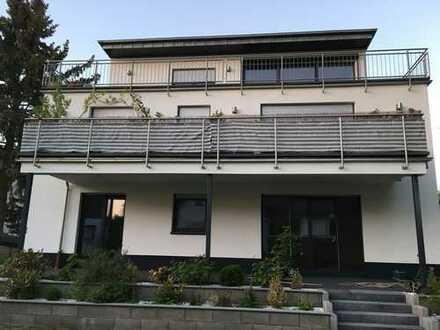 von PRIVAT - Große Neubau-Eigentumswohnung mit Balkon & Einbauküche nahe Frankfurt am Main