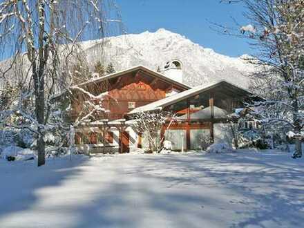 Landhausvilla mit eigenem Park auf über 6.000 m² Grund
