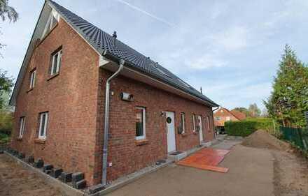 Erstbezug! Neu gebaute Doppelhaushälfte sucht passende Mieter!
