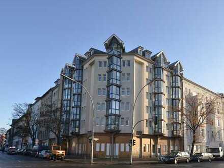 Erstbezug nach aufwändiger Sanierung: Schöne, helle 2-Zimmerwohnung mit Wintergarten zu verkaufen