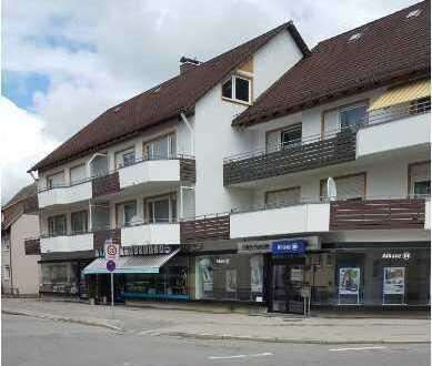 Großzügige 4-Zimmer-Wohnung mit Balkon im Zentrum von Neugablonz