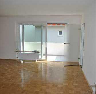 Modernisierte 3-Zimmer-Wohnung mit Balkon und EBK in Göttingen (Kreis)