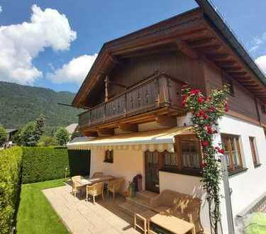 Gepflegtes freihstehendes Einfamilienhaus im bayerisch- modernen Stil - von Privat