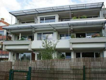 Sanierte 3 Zimmer Wohnung mit Balkon, Niederursel (für 2 Personen)