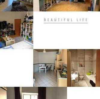Schöne, geräumige drei Zimmer Wohnung in Stuttgart, Ost