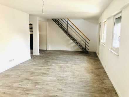 Erstbezug nach Sanierung: attraktive 3-Zimmer-Maisonette-Wohnung mit EBK und Balkon in Waghäusel