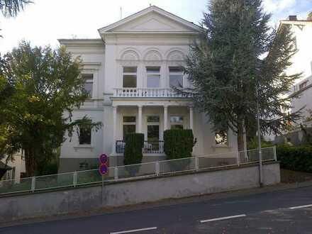 Schöne 5-Zimmerwohnung in alter Stadtvilla