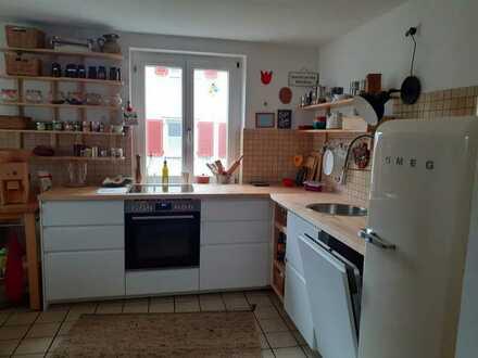 Schöne , helle 2-Zimmer-EG-Wohnung zur Miete in Freiburg im Breisgau