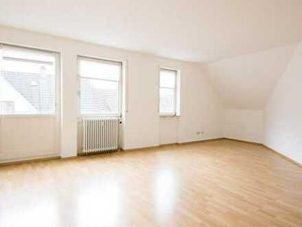 2-Zimmer-DG-Wohnung mit außergewöhnlichem Schnitt