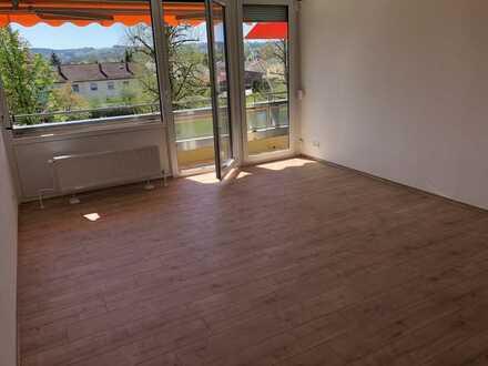 Erstbezug nach Sanierung: Zweizimmerwohnung 71qm plus separater Hobbyraum 17qm