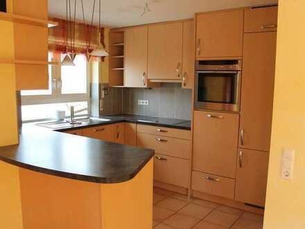 Gepflegte Maisonette-Wohnung mit fünf Zimmern sowie Balkon und EBK in Bondorf