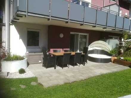 Neuwertige und moderne Erdgeschosswohnung mit Garten!