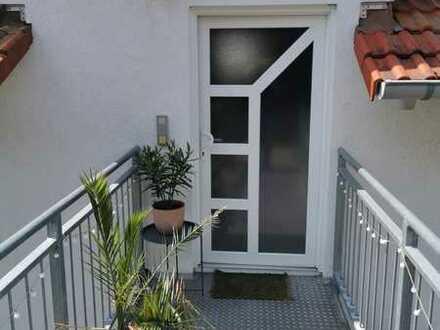 Gepflegte Wohnung in ruhiger Lage mit 4 Zimmern und Einbauküche in Wü Versbach
