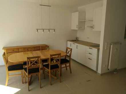 Stilvolle, vollständig renovierte 3-Zimmer-Wohnung mit Balkon und EBK in Bruchköbel