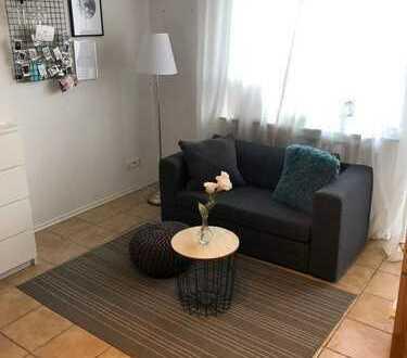 Möblierte bzw. Löffelfertige 1-Zimmer-Wohnung mit Balkon in Nippes