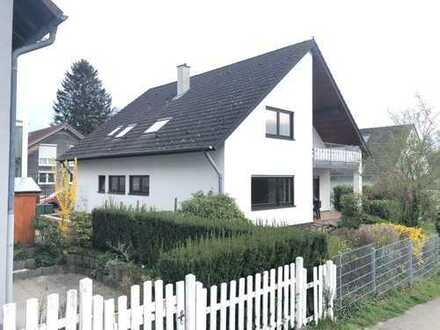 Schönes, sehr geräumiges Haus mit Einbauküche in Waldbronn-Busenbach