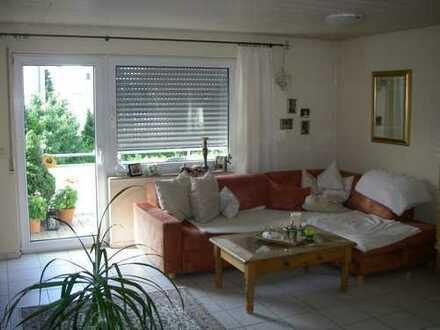 Schöne drei Zimmer Wohnung in Ludwigsburg (Kreis), Poppenweiler