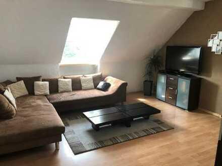 Schöne drei Zimmer Dachgeschosswohnung in Bochum, Altenbochum
