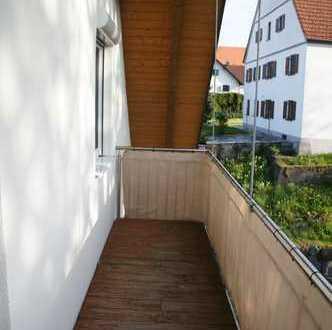Sehr große, helle 4 ZKB-Wohnung im 2. OG mit Balkon
