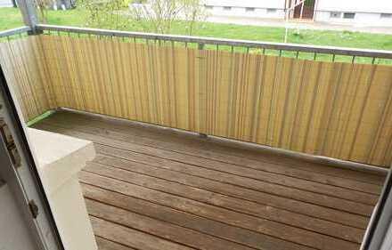 ==Helle 2.Zimmerwohnung mit Balkon im Erdgeschoss==