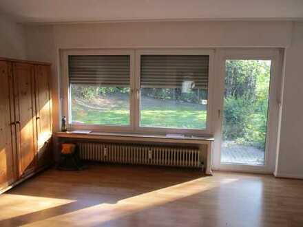 Kleines Erdgeschoss Apartment mit Terrasse und Gartennutzung