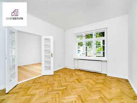 Provisionsfrei: Geräumige Altbauwohnung mit Balkon