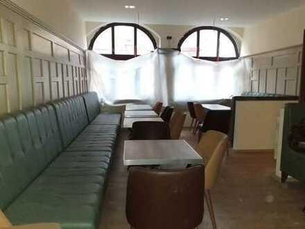 Tolle Location für Irish Pub, Bar & Lounge, Café, Sportsbar ...; saisonale Aussenbestuhlung möglich