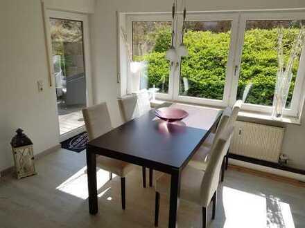 *provisionsfrei * Gepflegte 2-Zimmer-Wohnung mit Terrasse und EBK in Karlsbad