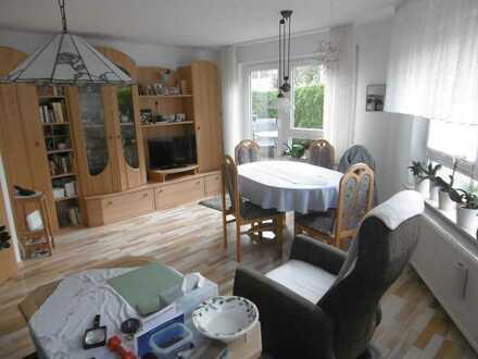 Helle 2-Zimmer-Wohnung mit Terrasse und Einbauküche in ruhiger, zentraler Lage von Rutesheim