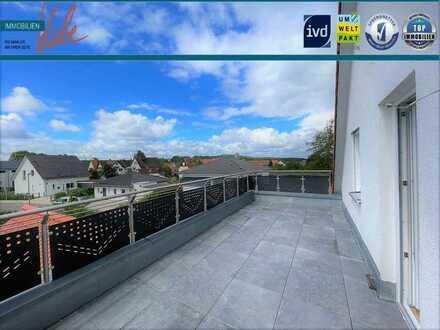 Hier werden Wohnträume wahr ! Außergewöhnliche Doppelhaushälfte mit Dachterrasse in Hemhofen