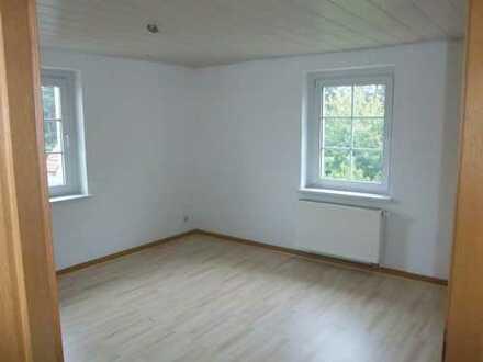 Freundliche 2-Zimmer-Hochparterre-Wohnung zur Miete in Halsbrücke