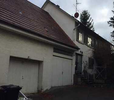 Sanierungsbedürftiges Haus mit 7 Zimmern und grossem Garten in 72581 Dettingen. Provisionsfrei.