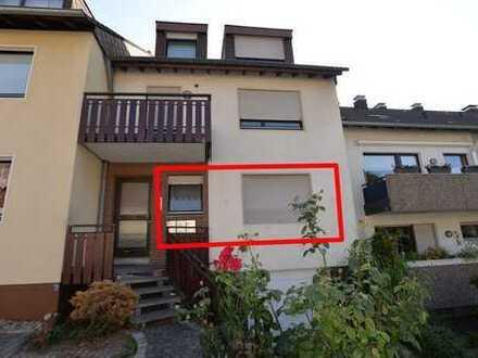 Vollständig renovierte 2,5-Zimmer-Hochparterre-Wohnung mit Balkon in Essen