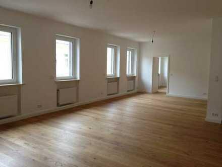 Schöne 5 Zimmer - Wohnung mit EBK und Innenhof in Speyer